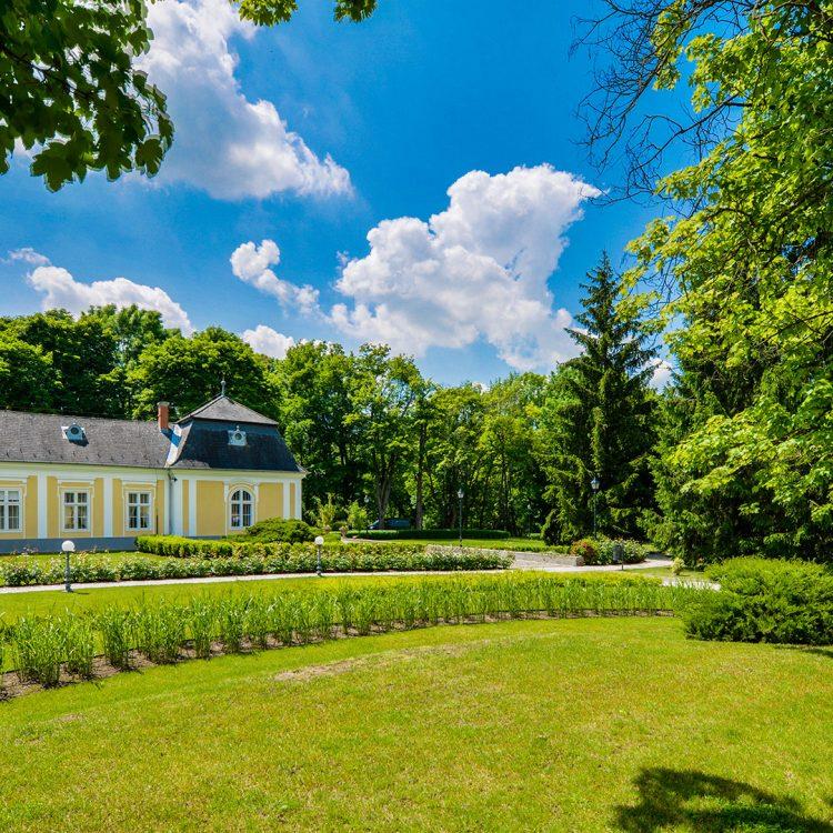Kiskastély-kívülről_Small-mansion-outside-(4)