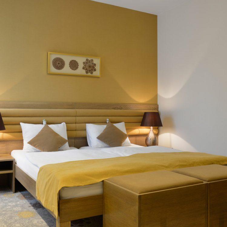 Standard-szállodai-szoba_Standard-hotel-room-(3)_0